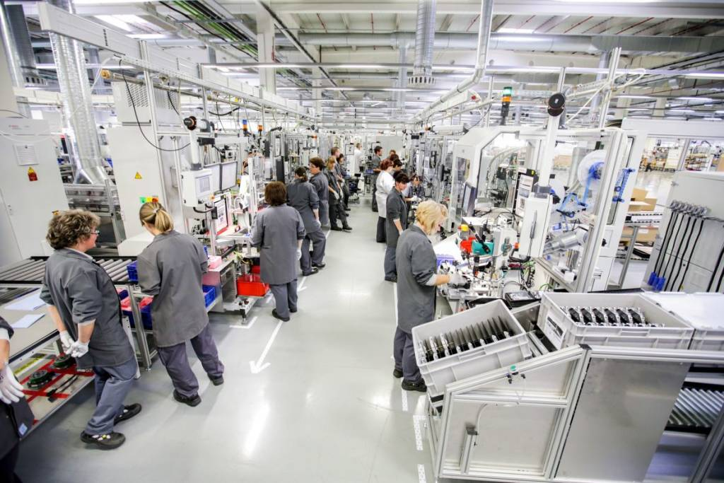 Százhetven millió forintért létesít új tréning központot a hatvani Bosch