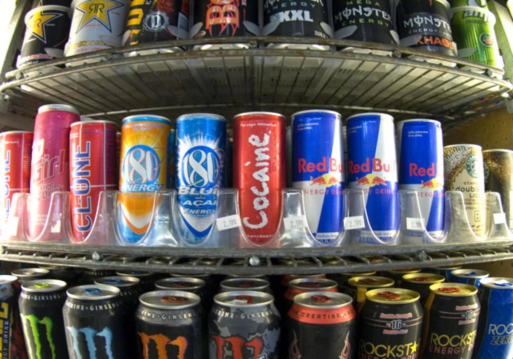 Sorra kerülnek kórházba a fiatalok túlzott energiaital-fogyasztás miatt