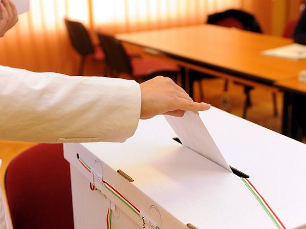 A választók július elejéig kérhetnek tájékoztatást a választási irodáktól, mely jelölt ívén szerepel ajánlásuk