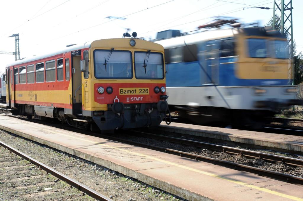 Fennakadás a Füzesabony-Debrecen vasútvonalon