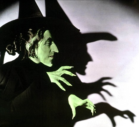 THE WIZARD OF OZ [US 1939] MARGARET HAMILTON as the Wicked Witch of the West