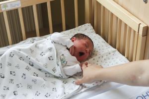 Látszik, milyen kényelmesen lehet pihenni a babaöbölben