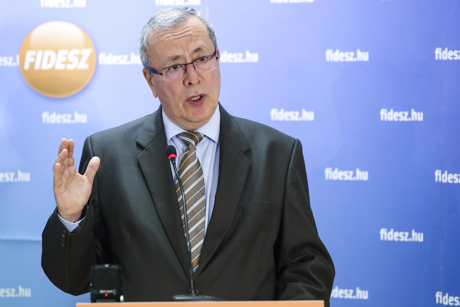 Bakondi György is részvételre buzdít október 2-án