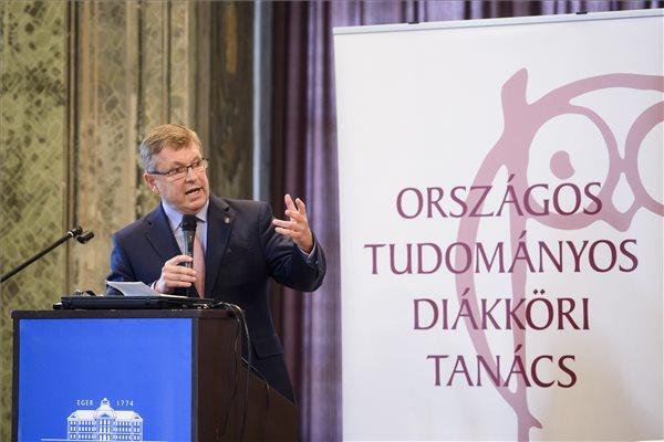 Évi 20 milliót ad a Magyar Nemzeti Bank tehetséggondozásra