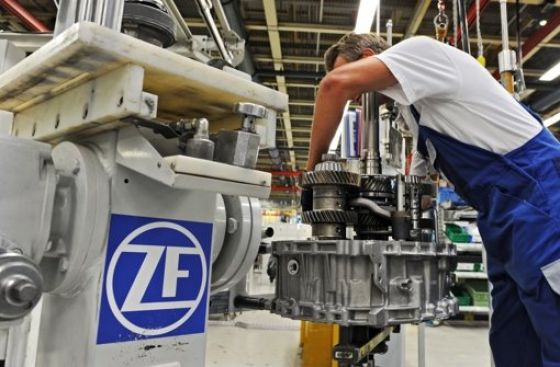 Kétszázmilliós közmű-kiváltással is segíti Eger a ZF munkahelyteremtő beruházását