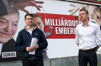 Lombezcki Gábor és Kovács Cs Tamás az országos plakátkampányról tájékoztat - Fotó: Ebner Béla