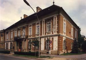A palota története – időutazásra hív a Bródy Sándor könyvtár