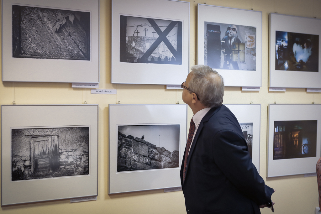 A fotó nyelvével mutatják be Egert – kiállítás a Hotel Flórában