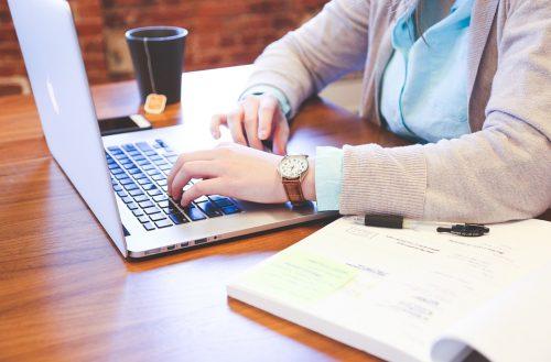 A digitálizáció népszerűsítése a cél (Illusztráció: StartupStockPhoto)