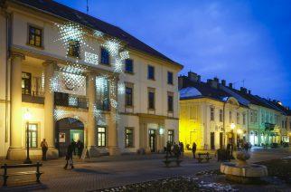 A fénnyel festett Kepes Intézet (Fotó: Nemes Róbert)