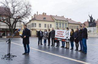 A Dobó téri sajtótájékoztató résztvevői - Fotó: Nemes Róbert