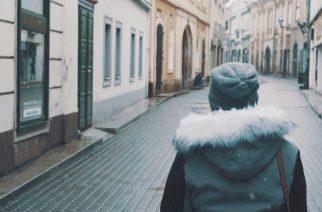 Téli hangulatban – pazar videó a behavazott városról