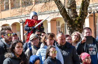 Húsvéthétfő: rengetegen az egri várban (fotógaléria)