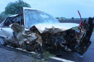Halálos baleset a 3-as főúton: két autó ütközött az éjjel