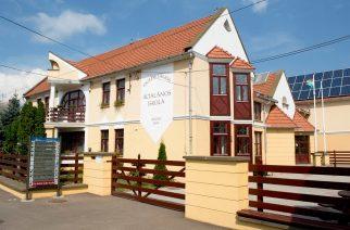 A noszvaji iskola - Forrás: http://tortenetekkepekkel.blogspot.hu/