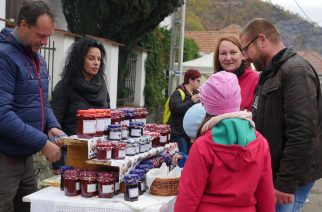 Csipkebogyó fesztivállal ünnepelt Szarvaskő