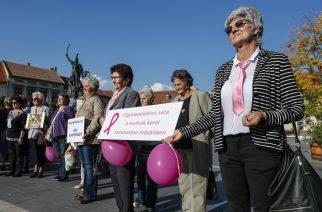 Rózsaszín szalagos séta a mellrák elleni küzdelem jegyében