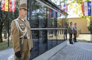 Az I. világháború áldozataira emlékeztek az egri temetőben – videó