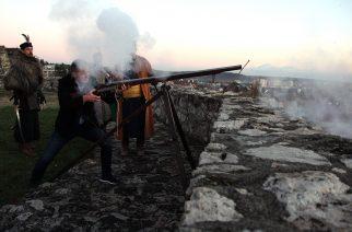 Honfi Gábor adta le a 15.52-es díszlövést az egri várban – videó