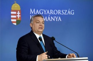 Orbán Viktor miniszterelnök az idei év első Kormányinfóján - fotó: MTI/Koszticsák Szilárd