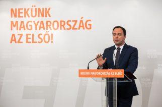 Fidesz: az ellenzék az ápolási díjjal is színjátékot űz