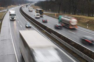 Fokozódik a forgalom a tranzitútvonalakon a Dunántúlon jön a hó!