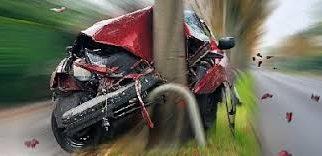Villanyoszlopnak csapódott egy autó Demjénben