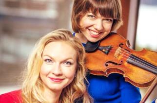 A Mervi & Virva duó koncertezik az egyetemen – Videó