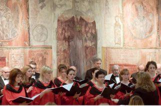 Az esztergomi Balassa kórus koncertezik a Minorita templomban