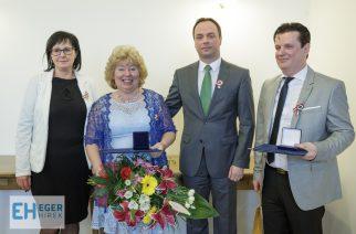 Elismerést vehetett át Jakabné Jakab Katalin és Macsinka János