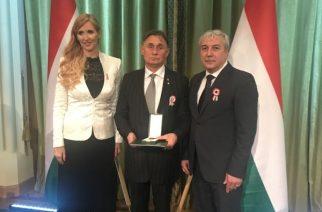 Dr. Szabó Tünde sportért felelős államtitkár, Borza József és Dr. Mészáros János, a Magyar Karate Szakszövetség elnöke