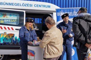 Hevesen és Füzesabonyban folytatódik a Police Café