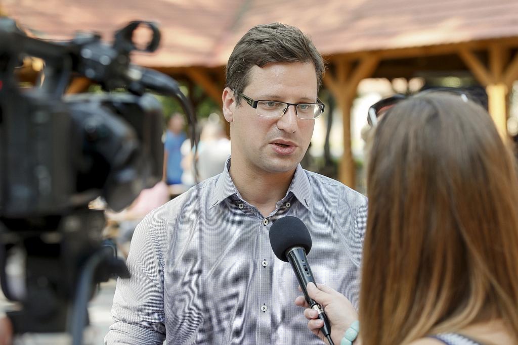 Gulyás Gergely: az ellenzék komolytalan javaslatokkal áll ...