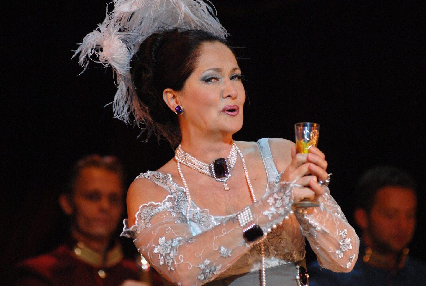 Kállai Bori a Csárdáskirálynőben az Operettszínházban (Fotó: Médiaklikk)